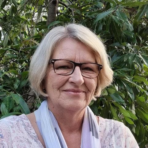 Pam Edwards